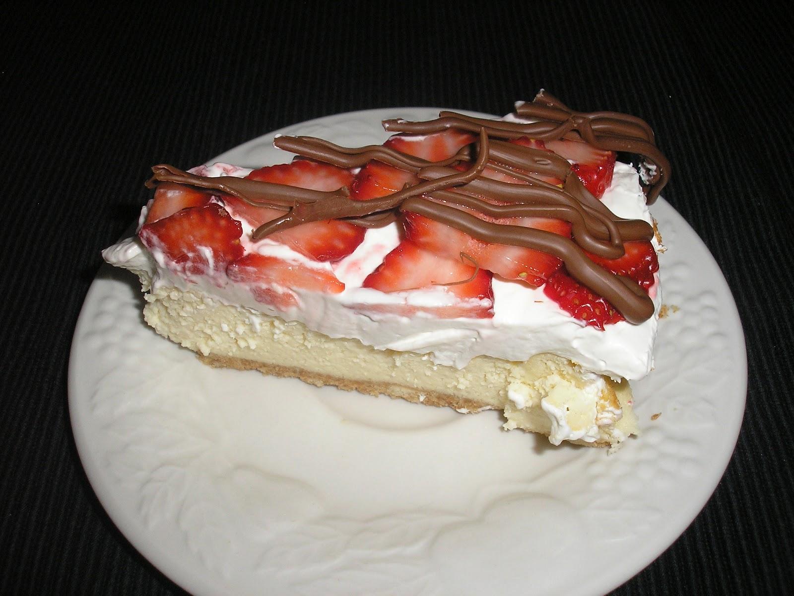 Cookin' Mamas: Chocolate Covered Strawberry Cheesecake