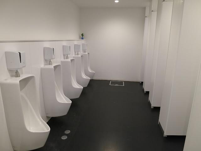 First Cabin Hotel Hakata toilet. Tokyo Consult. TokyoConsult.
