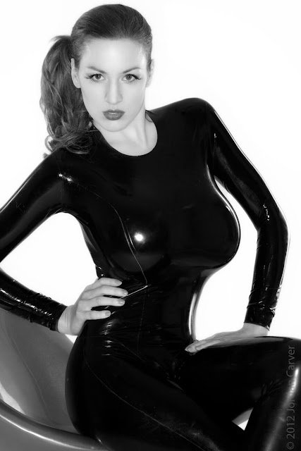 Jordan-Carver-Sandine-Hot-Photoshoot-in-Catsuit-35632