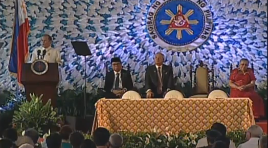 PNoy closes gap on Muslim Mindanao through Bangsamoro Basic Law