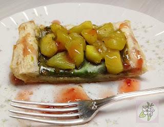Tartaleta Vegana de Crema de Té Verde Martcha y Manzana Caramelizada.