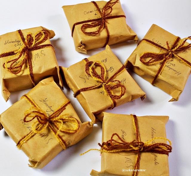 Packaging Handmade Soap by Ika Amna