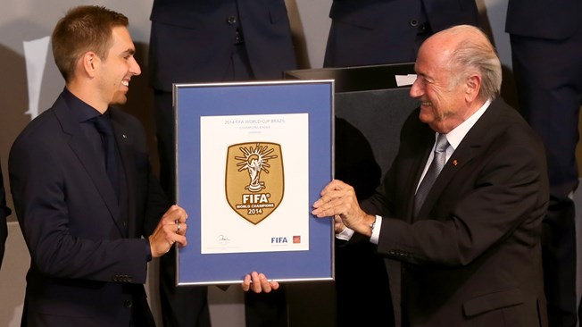 fd37f5b2 FIFA first awarded the World Champions Badge to Italy in 2006. It was since  then awarded to Spain in 2010 and to Germany in 2014. No team managed to  defend ...