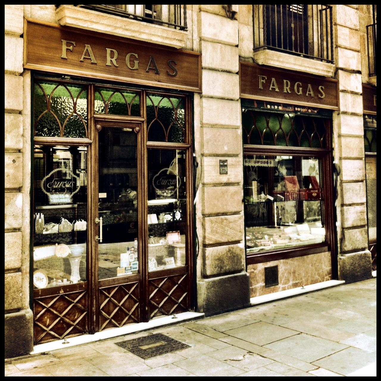 075fcaf586352 Botigues de tota la vida. Comerç antic Barcelona