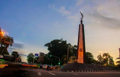 Tempat Wisata Monumen Kujang Kebanggaan Bogor