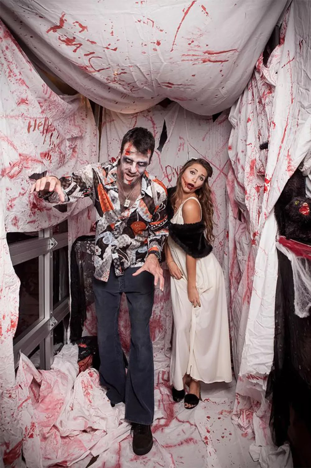 5 Halloween Photo Booths ideas Your Party Needs