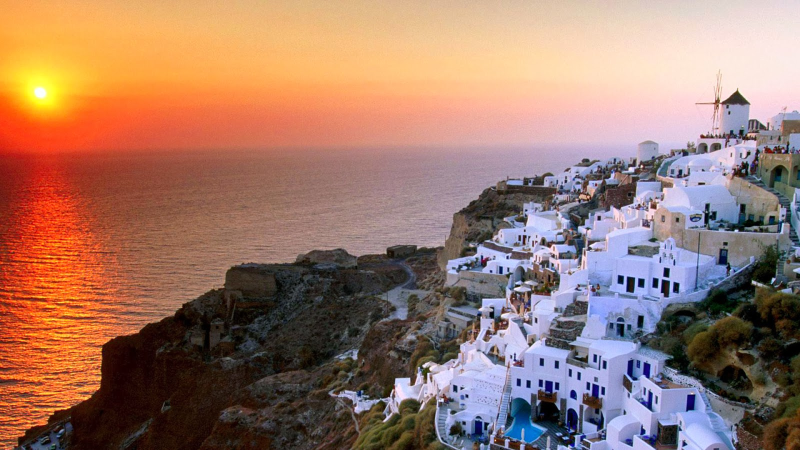 Santorini, Hellas: The Most Attractive Island in The World