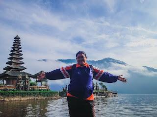 Enjoy Wonderful Scenery Of Ulun Danu Bratan Temple And The Mountain Lake At Bedugul, Tabanan, Bali, Indonesia