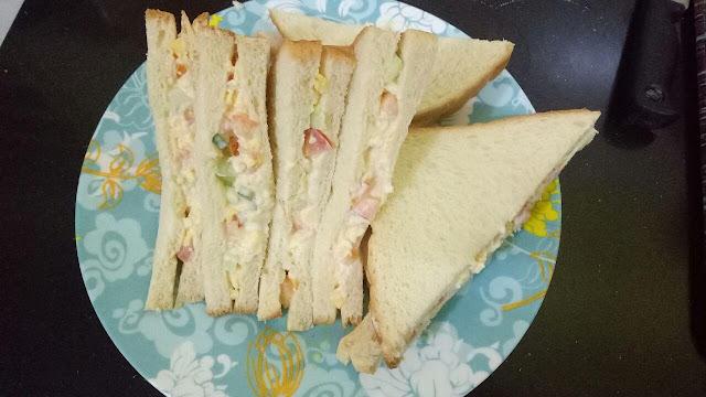 alt image sandwich telur