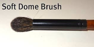 DOMED EYESHADOW BRUSH