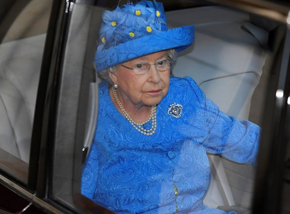 This year the Queen not wearing the imperial state crown and robes of state