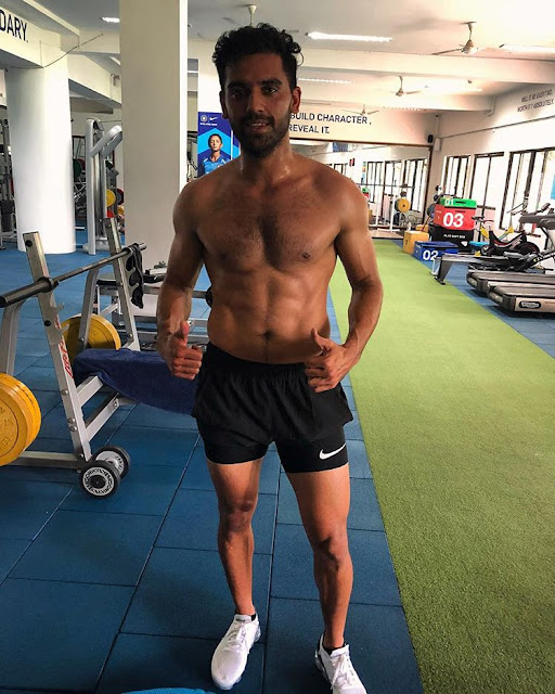 Deepak Physical Appearance