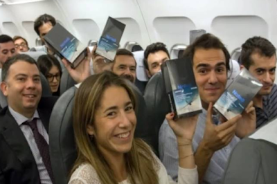Samsung Galaxy Note 8 is divided free to the aircraft feeder