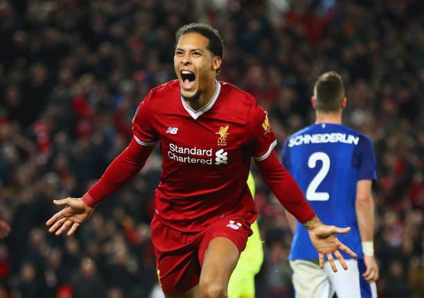 Klopp Akui Van Dijk Buat Liverpool Menjadi Tangguh