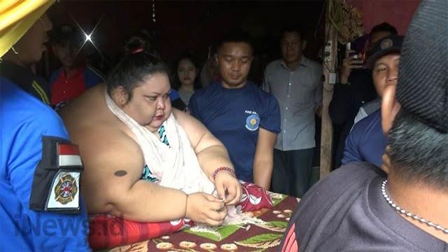 Jebol Jendela Rumah, Begini Proses Evakuasi Perempuan Berbobot 350 Kg