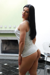 Eva Andressa sexy fitness model
