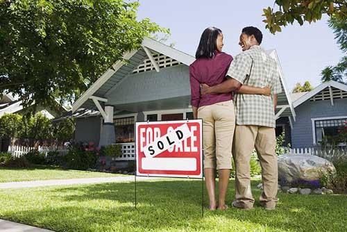Hal Yang Bisa Dilakukan Pasangan Baru Menikah Untuk Membeli Rumah