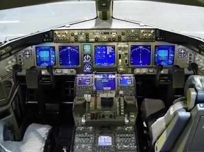 Interior Kabin Pesawat Garuda Terbesar