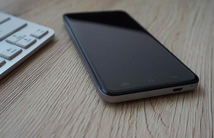 layar smartphone kinclong