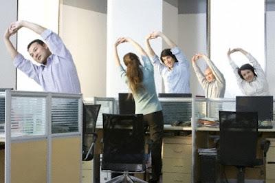 5 cách đơn giản tiếp thêm năng lượng cho ngày làm việc căng thẳng