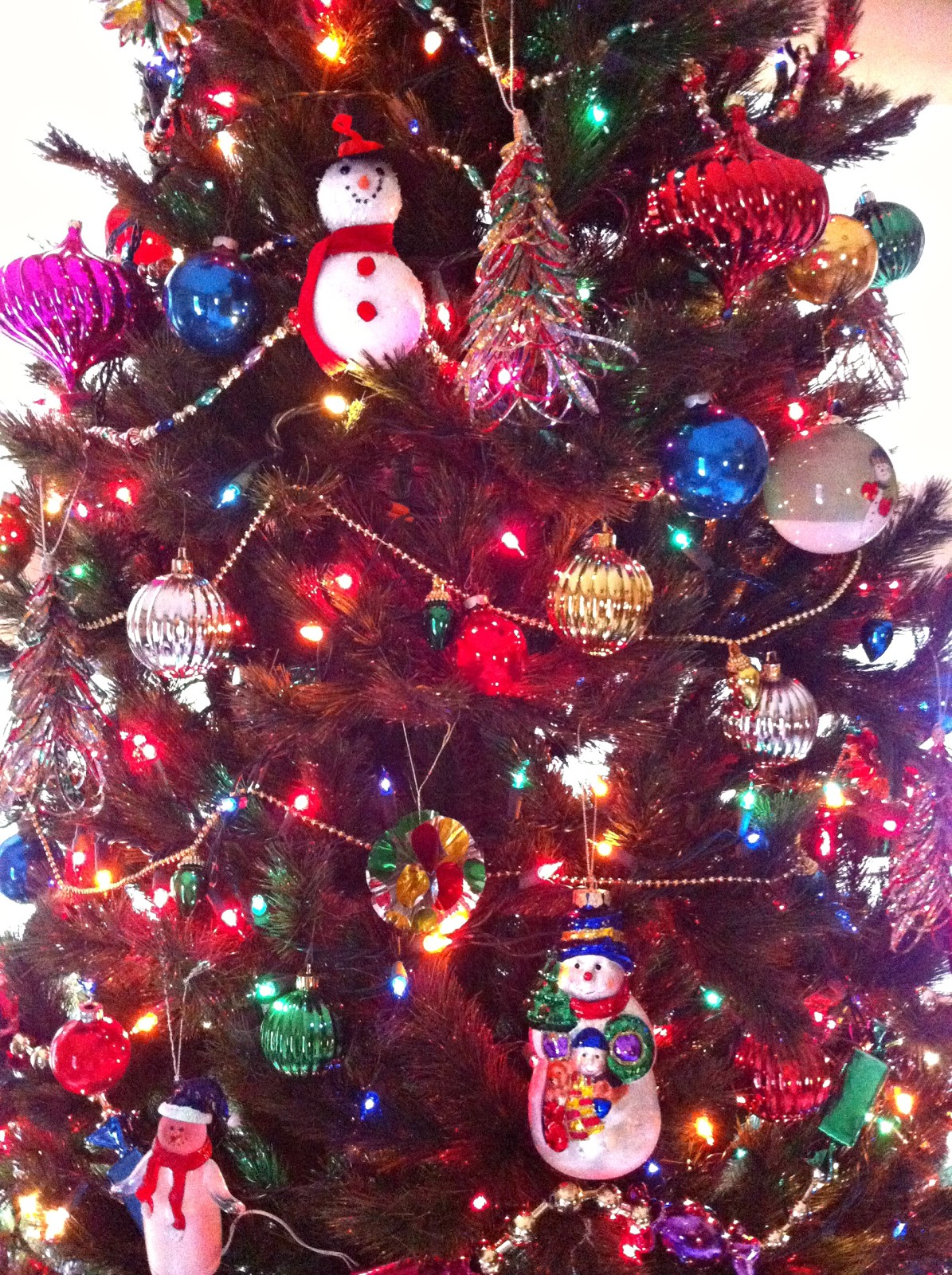 Ten June: Fake It Till You Make It: Our 2012 Christmas Tree