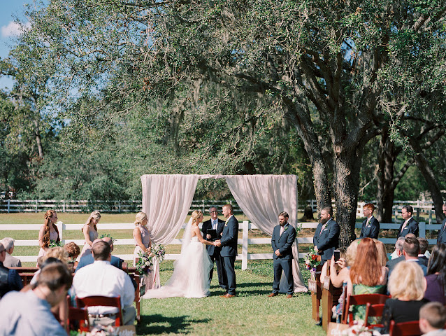 wedding ceremony at bramble tree estate