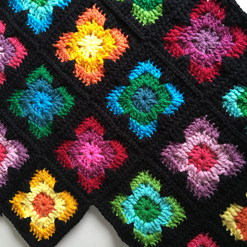 Retro Vibe Square - Free Pattern