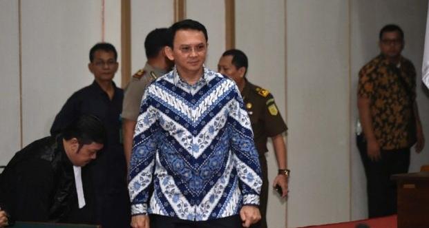 Έβαλαν φυλακή τον χριστιανό κυβερνήτη της Τζακάρτα επειδή «πρόσβαλε» το Κοράνι