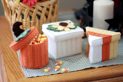 https://www.etsy.com/littlesapphire/listing/565139117/pattern-fall-boxes-in-plastic-canvas?utm_source=Copy&utm_medium=ListingManager&utm_campaign=Share&utm_term=so.lmsm&share_time=1508169169381