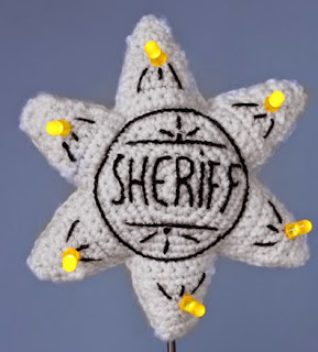 http://ohvillo.blogspot.com.es/2014/01/una-estrella-sheriff-con-leds.html