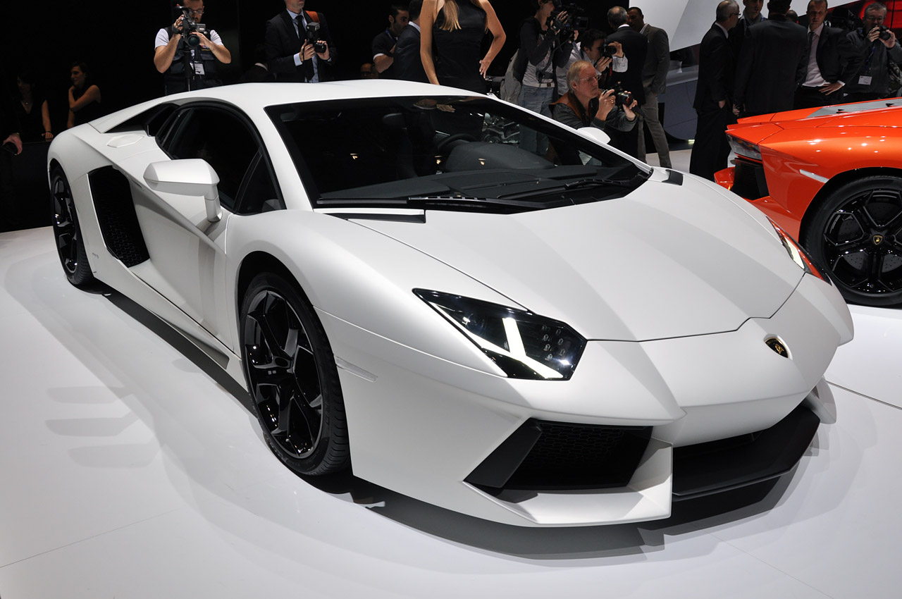 Cristiano Ronaldo Buy Lamborghini