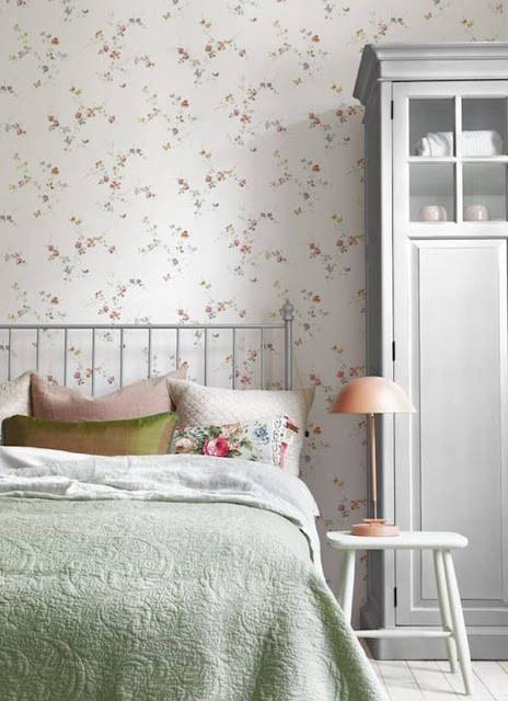 Ideas For Decorating With Wallpaper 12