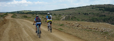 En el Camino de la Fuente del Tordo, pista de Mosqueruela.