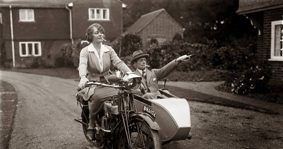 A Collection of 32 Badass Vintage Photographs of Women and Their Motorcycles