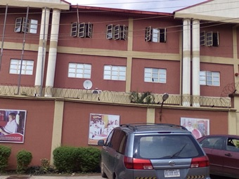Hausa teenagers invade Lagos school, steal N1.5m