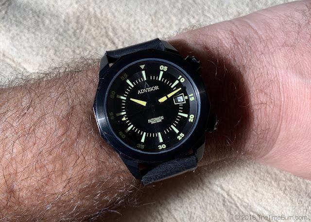 Advisor Ascent Classic Blackmax wrist