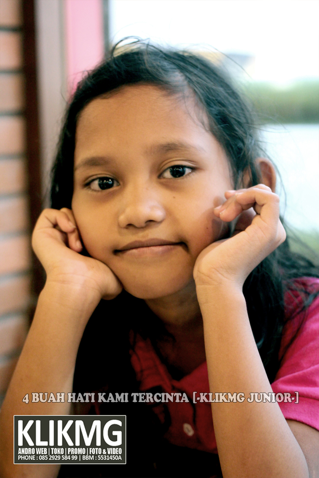 4 buah hati tercinta kami KLIKMG : Wisnu - Hanom - Shinta & Sharie :: ( Fotografer & Videografer Purwokerto )
