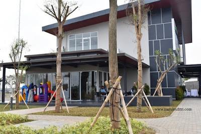 cafe area bermain anak kantor pemasaran savasa deltamas cikarang nurul sufitri blogger opening ceremony marketing gallery panasonic