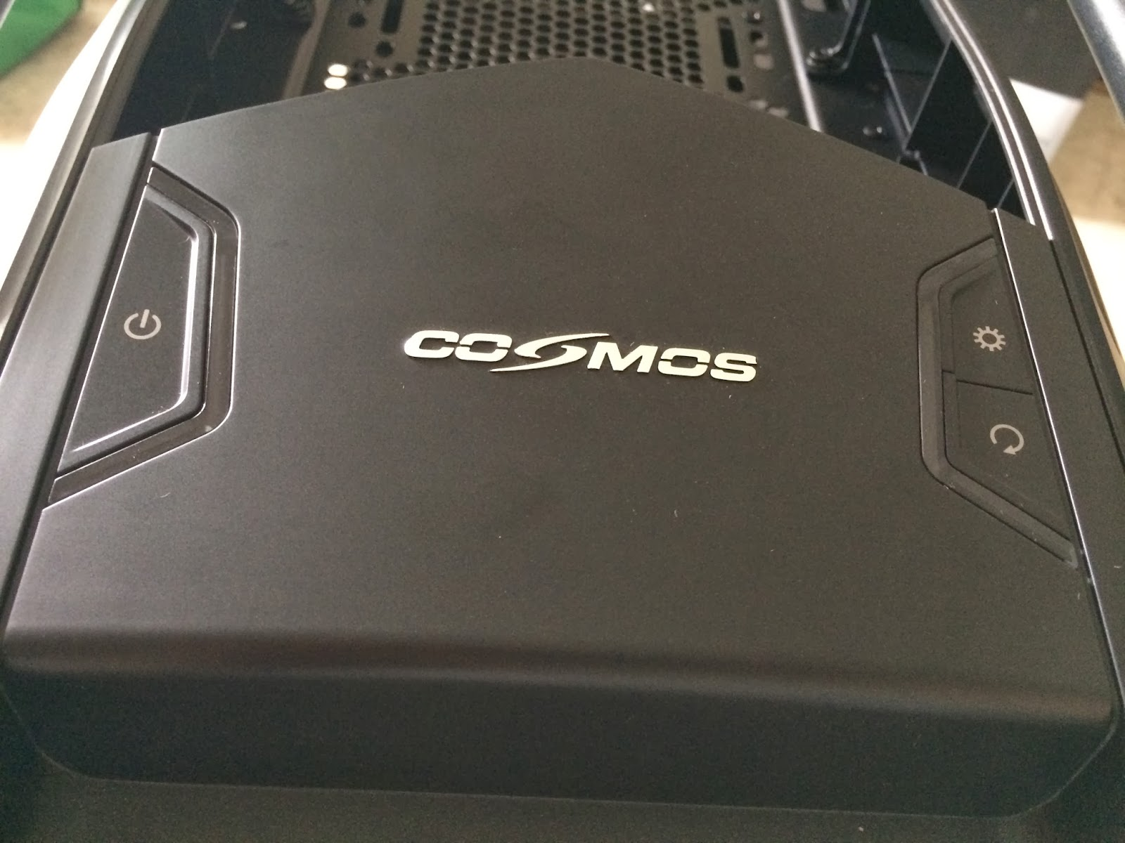 Unboxed & Reviewed: Cooler Master Cosmos SE 107