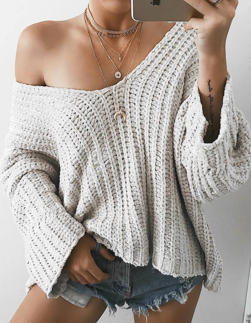 outfit of the day | one shoulder knit sweater + shorts