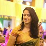 Anushka traditianl look in saree