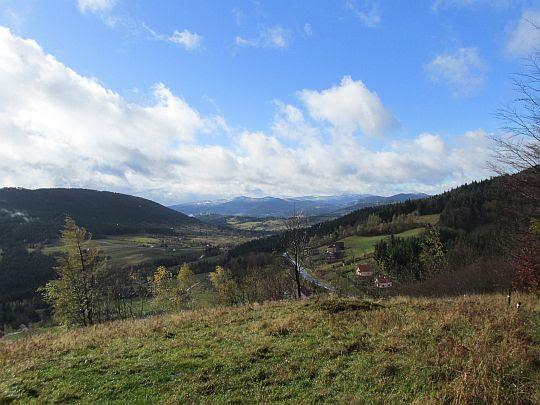 Widok na dolinę Zbludzkiego Potoku.