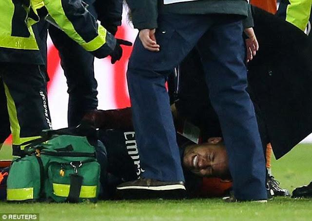 """Thuyết âm mưu: Neymar """"diễn sâu"""", khổ nhục kế gây sốc Real - Ronaldo 1"""