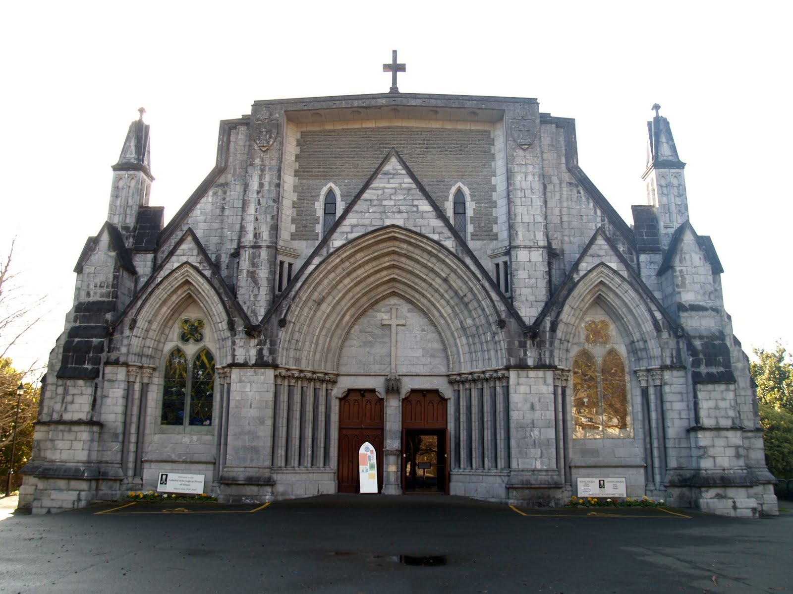 Christchurch: Smack New Zealand: Christchurch Cathedral And Nelson
