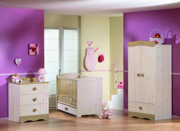 Habitaciones de beb en color morado dormitorios con estilo - Color paredes habitacion bebe ...