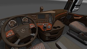 'Wooden' interior for Mercedes MP4