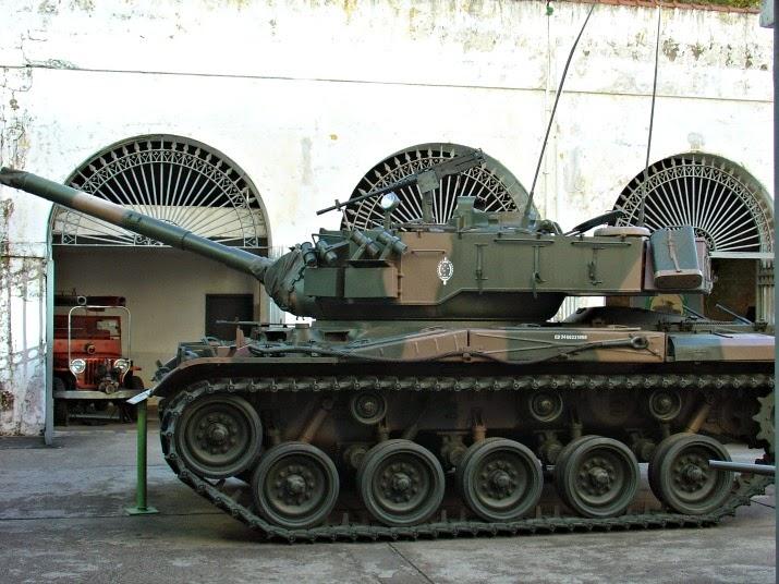 Carro Blindado de Grande Porte, no Museu do Comando Militar do Sul, em Porto Alegre