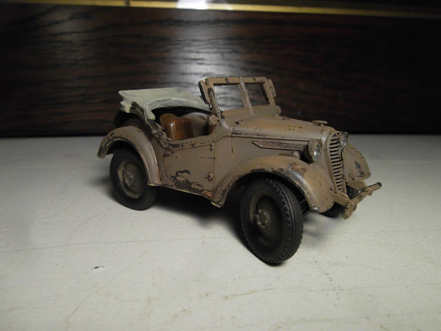 1/35 Kurogane Japanese jeep - the wheels start to go on