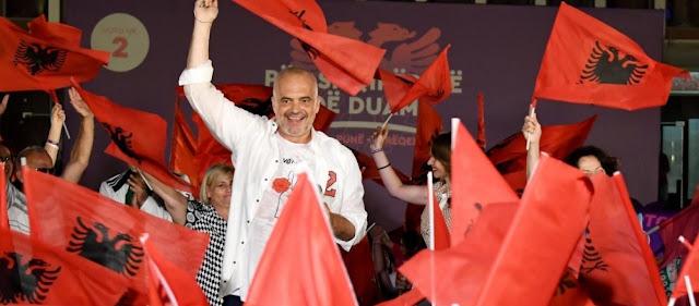 ΗΠΑ: Ανεπιθύμητοι 170 Αλβανοί αξιωματούχοι