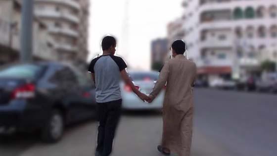 Penjelasan Kenapa Lelaki Bangladesh Suka Pegang Tangan Semasa Berjalan